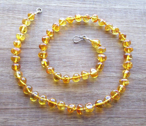 Honey Adult Necklace Image