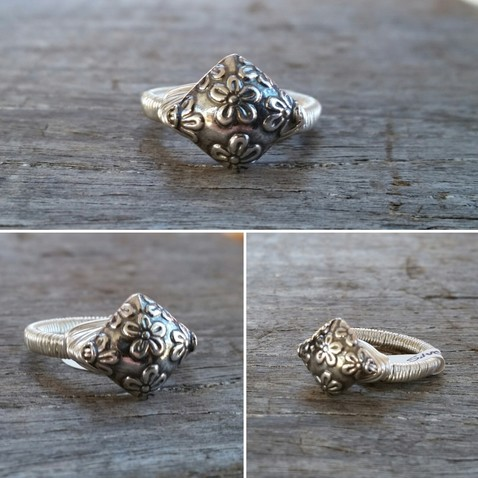 Silver Diamond Daisy Print Ring Image
