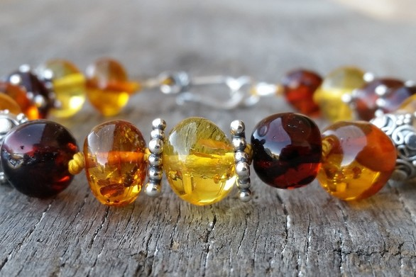 AMBER TEETHING BEADS. High quality Australian Made, by Selkie Designs