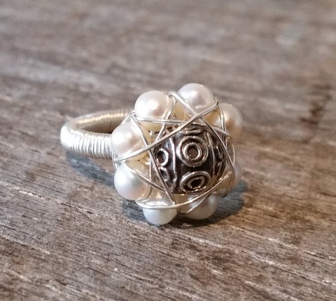 Pearl Flower Ring Image