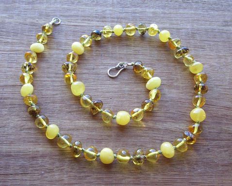 Wattle Adult Necklace Image